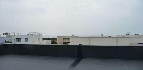 Comment tancher une terrasse avec dalles sur plots avec isolant