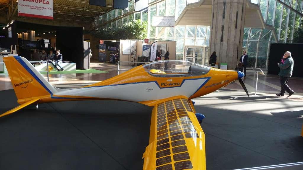 avion photovoltaique
